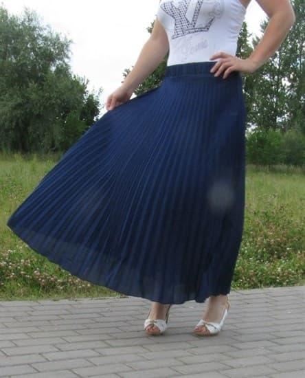 Плиссированная юбка темно-синего цвета с фиолетовым оттенком - фото 6589