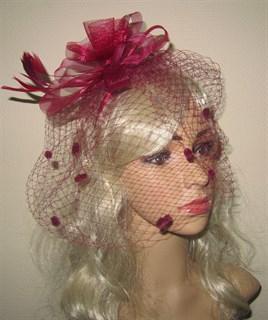 Бордовая вуалетка с цветком на ободке