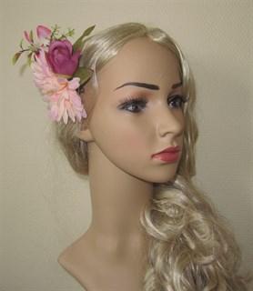 Розовый букет цветов с ромашкой. 2451