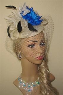 Шляпка Сандра с вуалью и синим цветком