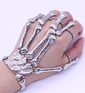 """Серебристое украшение """"кисть скелета"""""""