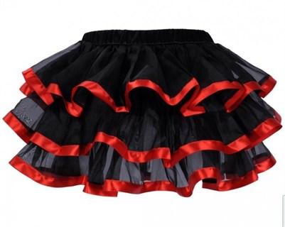 Трехслойная юбка с красным кантом