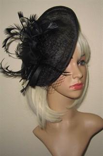 Элегантная шляпка с перьями на заколке Рейчел. Черная