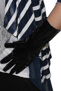 Черные короткие перчатки под лак