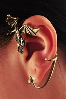 Украшение на ухо в виде дракона