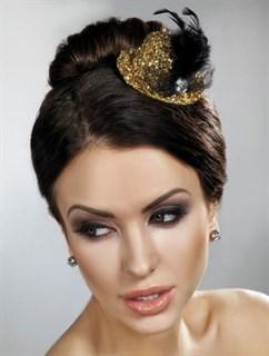 Золотая блестящая маленькая шляпка