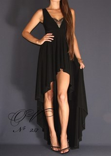 Черное короткое платье в пол с кружевом и длинным шлейфом. 257