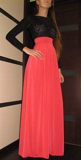 Коралловое платье в пол с верхом из черного панбархата