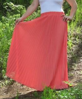 Коралловая юбка плиссе с оранжевым оттенком. 1/2 солнца